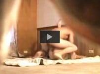 Sakrio je kameru pa je izjebao na podu